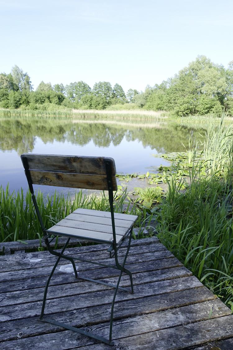 Stuhl am See